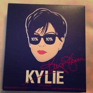 Kylie x Kris Jenner Momager Kit